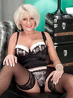 50 Plus MILFs - Desire's afernoon delight - Desire Collins (47 Photos)