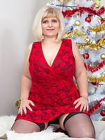 Christmas comes early with this horny mature BBW