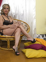 Naughty Housewife getting wet and wild - Granny Girdles
